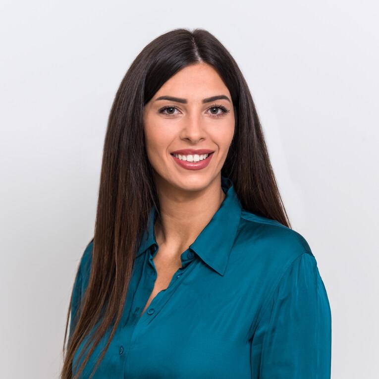 Laura GoÉs
