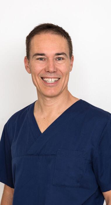 Dr. Dr. Robert Linsenmann